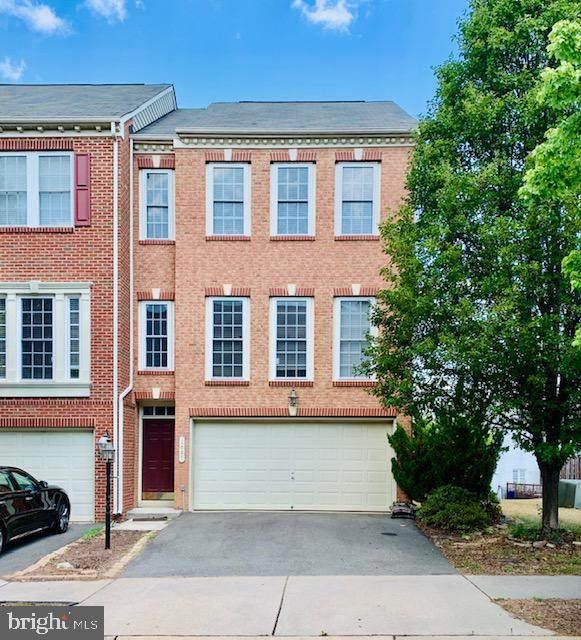 1027 Hotchkiss Place, FREDERICKSBURG, VA 22401 (#VAFB117580) :: Revol Real Estate