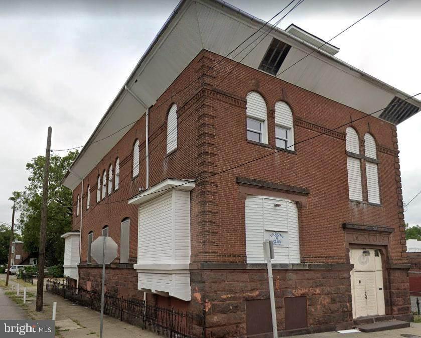 4619-25 Longshore Avenue - Photo 1
