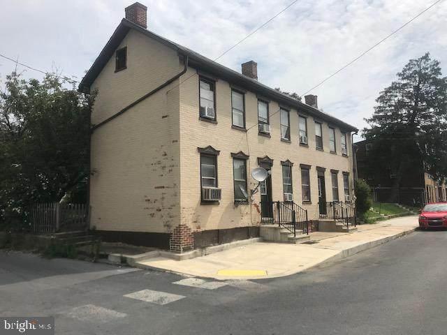 35 - 37 Catherine, CHAMBERSBURG, PA 17201 (#PAFL174514) :: The Joy Daniels Real Estate Group