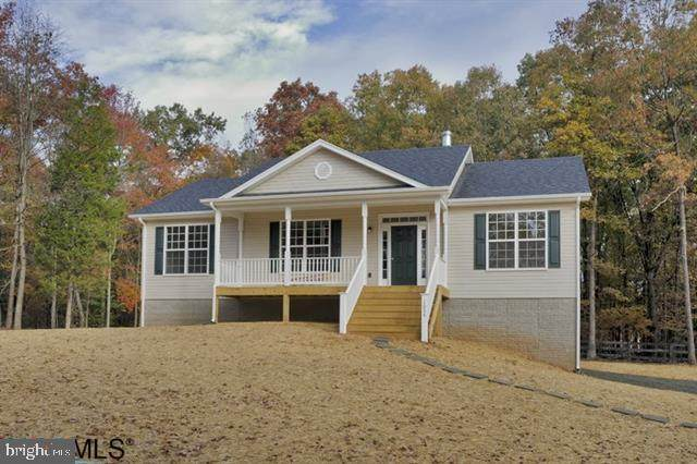148 Locust Drive, LOUISA, VA 23093 (#VALA121754) :: Debbie Dogrul Associates - Long and Foster Real Estate