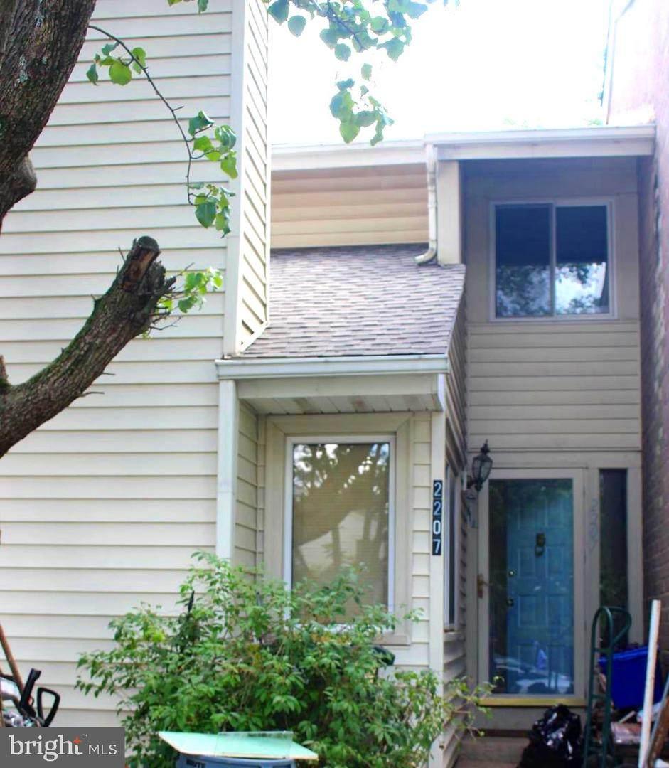 2207 Saunders Drive - Photo 1