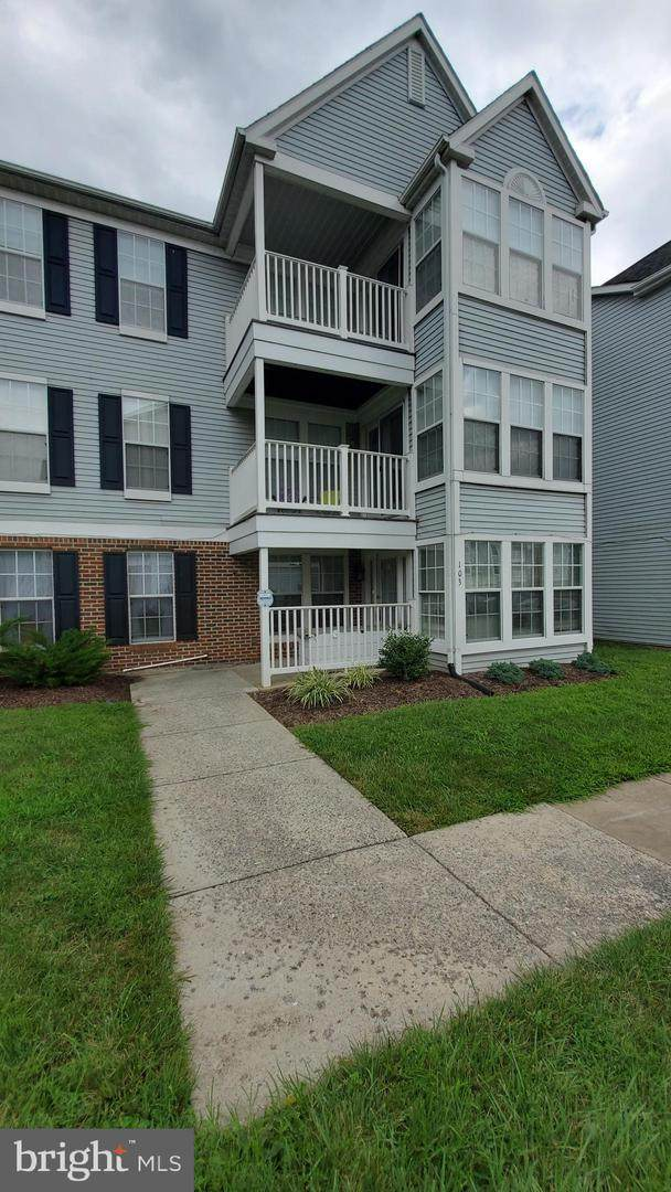615 Himes Avenue #103, FREDERICK, MD 21703 (#MDFR269312) :: The Riffle Group of Keller Williams Select Realtors