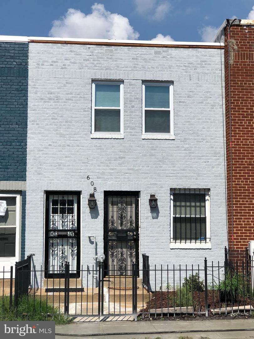 608 19TH Street - Photo 1