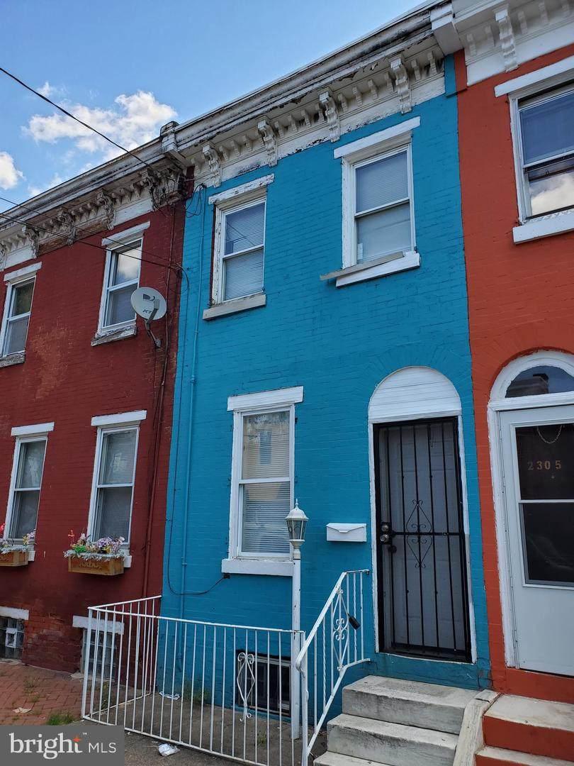 2307 Mascher Street - Photo 1
