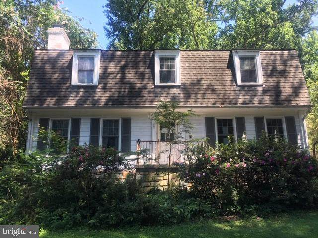 3819 Kenilworth Driveway, CHEVY CHASE, MD 20815 (#MDMC722110) :: The Sky Group