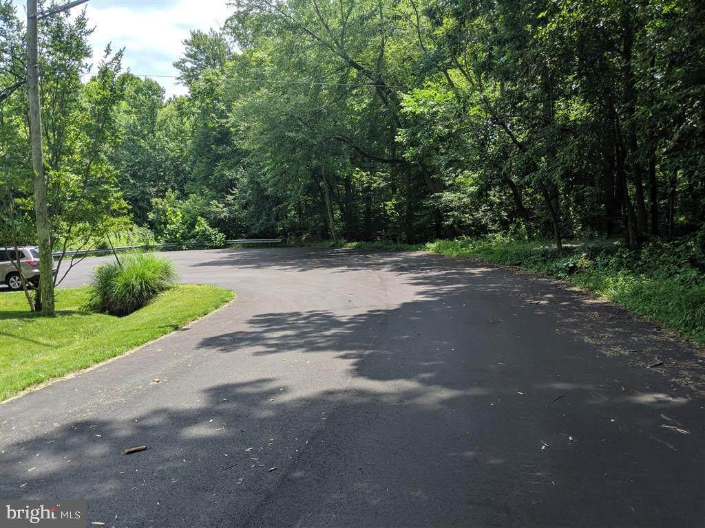 7801 Creekside View Lane - Photo 1