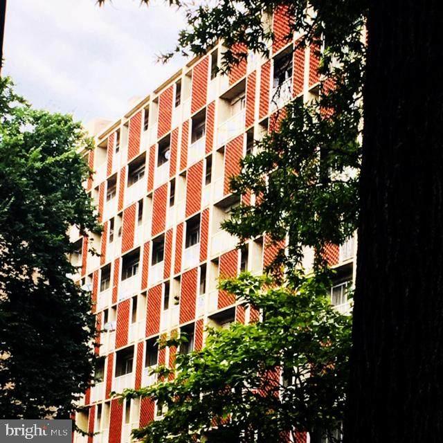 800 4TH Street SW N114, WASHINGTON, DC 20024 (#DCDC483436) :: Jennifer Mack Properties