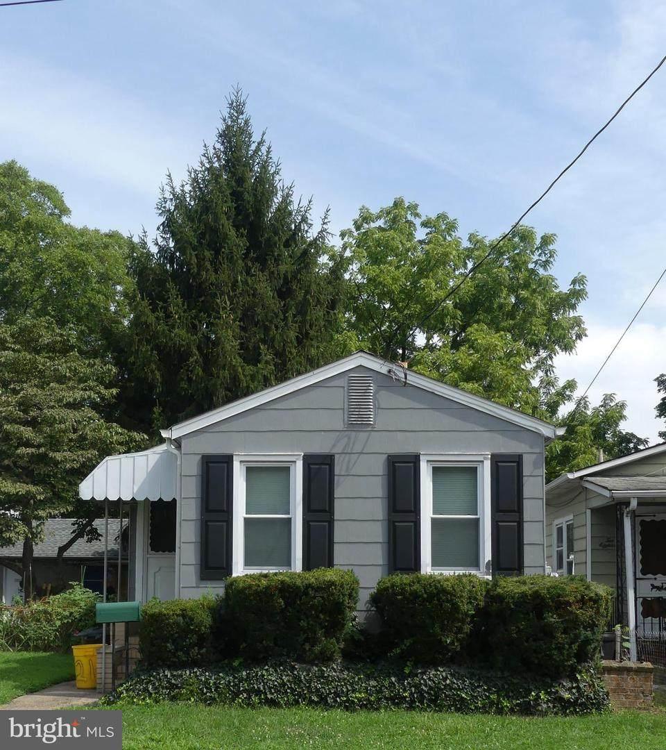 216 Randall Avenue - Photo 1