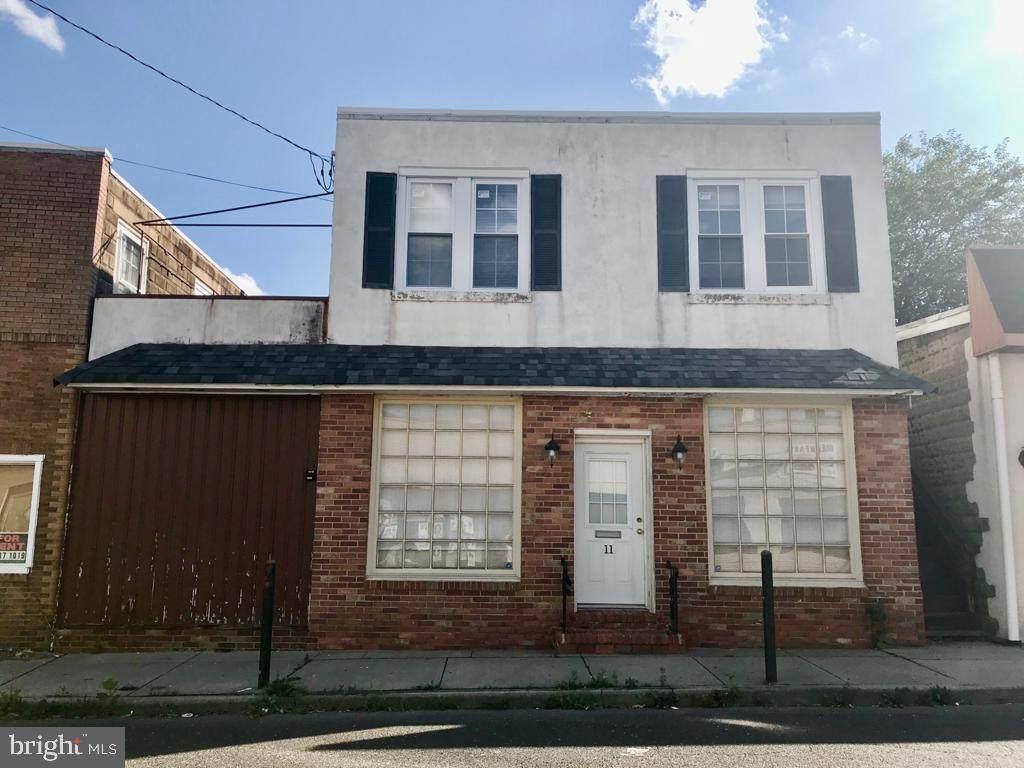11 Curtis Avenue - Photo 1