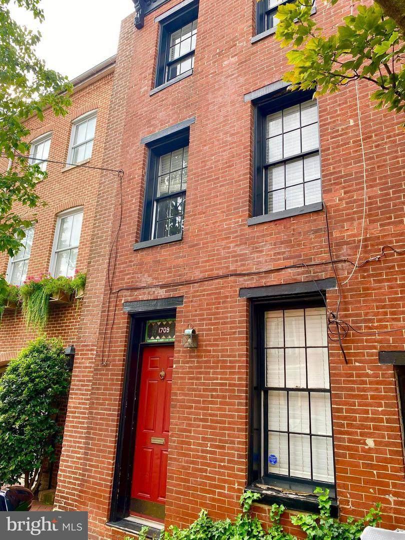 1709 Lancaster Street - Photo 1