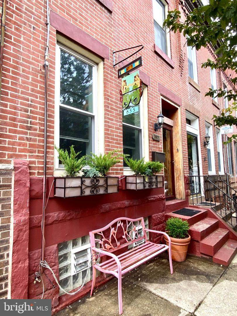 855 Thompson Street - Photo 1