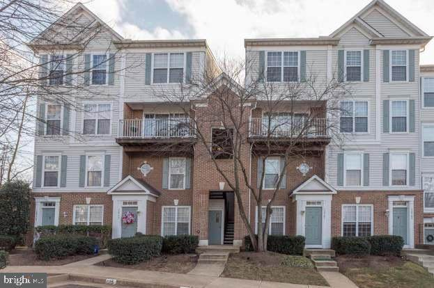 12779 Fair Crest Court 8-304, FAIRFAX, VA 22033 (#VAFX1152446) :: Crossman & Co. Real Estate