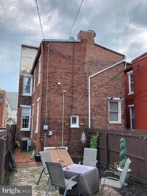 248 North Street, HARRISBURG, PA 17101 (#PADA125368) :: Century 21 Home Advisors