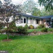 10136 Glenmere Road, FAIRFAX, VA 22032 (#VAFX1153546) :: Jennifer Mack Properties