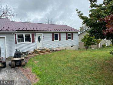 409 Woodsdale Drive, RED LION, PA 17356 (#PAYK145118) :: The Heather Neidlinger Team With Berkshire Hathaway HomeServices Homesale Realty