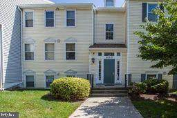 20313 Beaconfield Terrace #1, GERMANTOWN, MD 20874 (#MDMC725464) :: Dart Homes