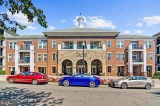 2321 25TH Street S 2-306, ARLINGTON, VA 22206 (#VAAR169552) :: The Riffle Group of Keller Williams Select Realtors