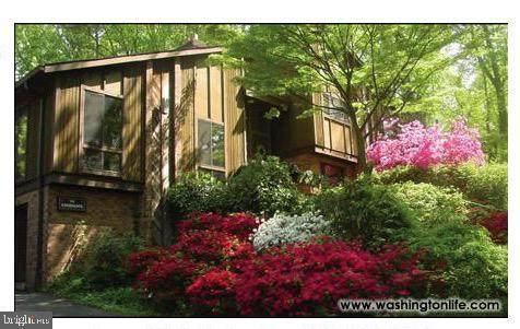 1339 Windy Hill Road, MCLEAN, VA 22102 (#VAFX1155358) :: Bruce & Tanya and Associates