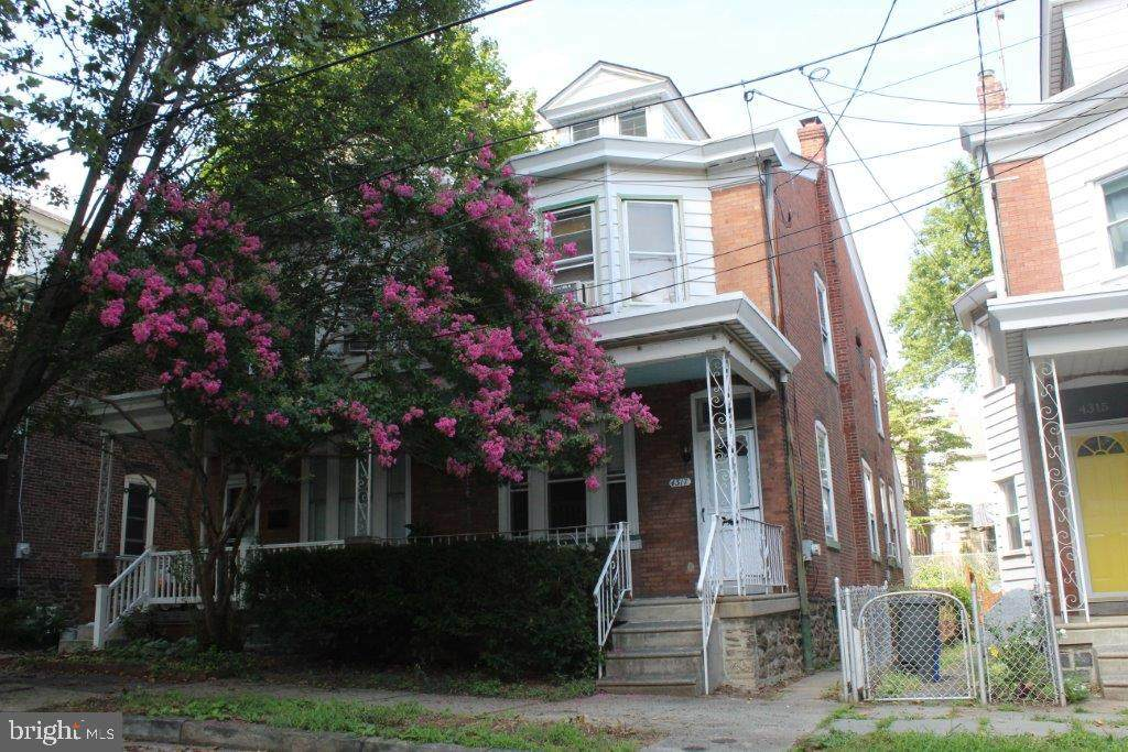 4317 Lauriston Street - Photo 1