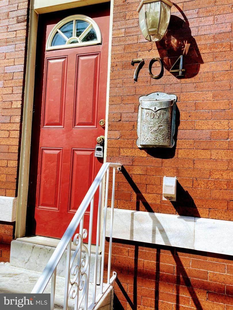 704 Eaton Street - Photo 1