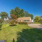 2015 Kilgore Road, FALLS CHURCH, VA 22043 (#VAFX1157126) :: Jennifer Mack Properties