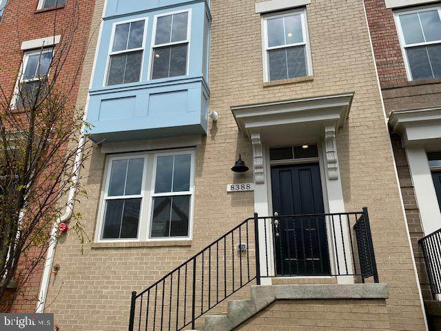 2970 Winter Jack Lane #35, MERRIFIELD, VA 22116 (#VAFX1157858) :: Debbie Dogrul Associates - Long and Foster Real Estate