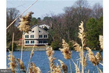 420 Lake Terrace - Photo 1