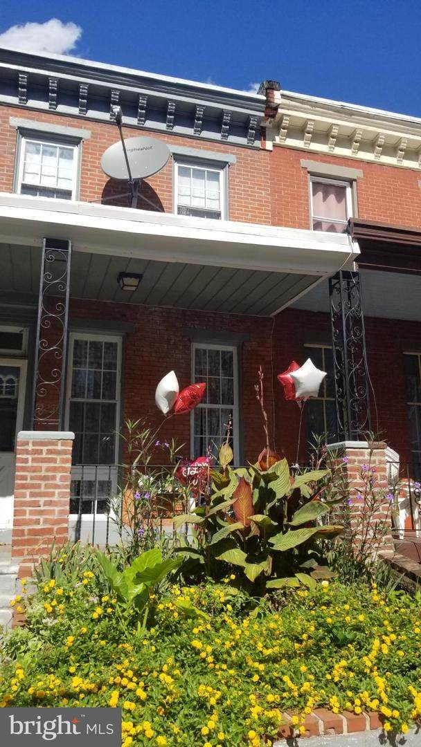2923 Cambridge Street - Photo 1
