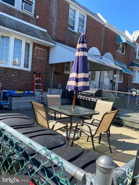 4730 Hartel Avenue, PHILADELPHIA, PA 19136 (#PAPH941338) :: Linda Dale Real Estate Experts