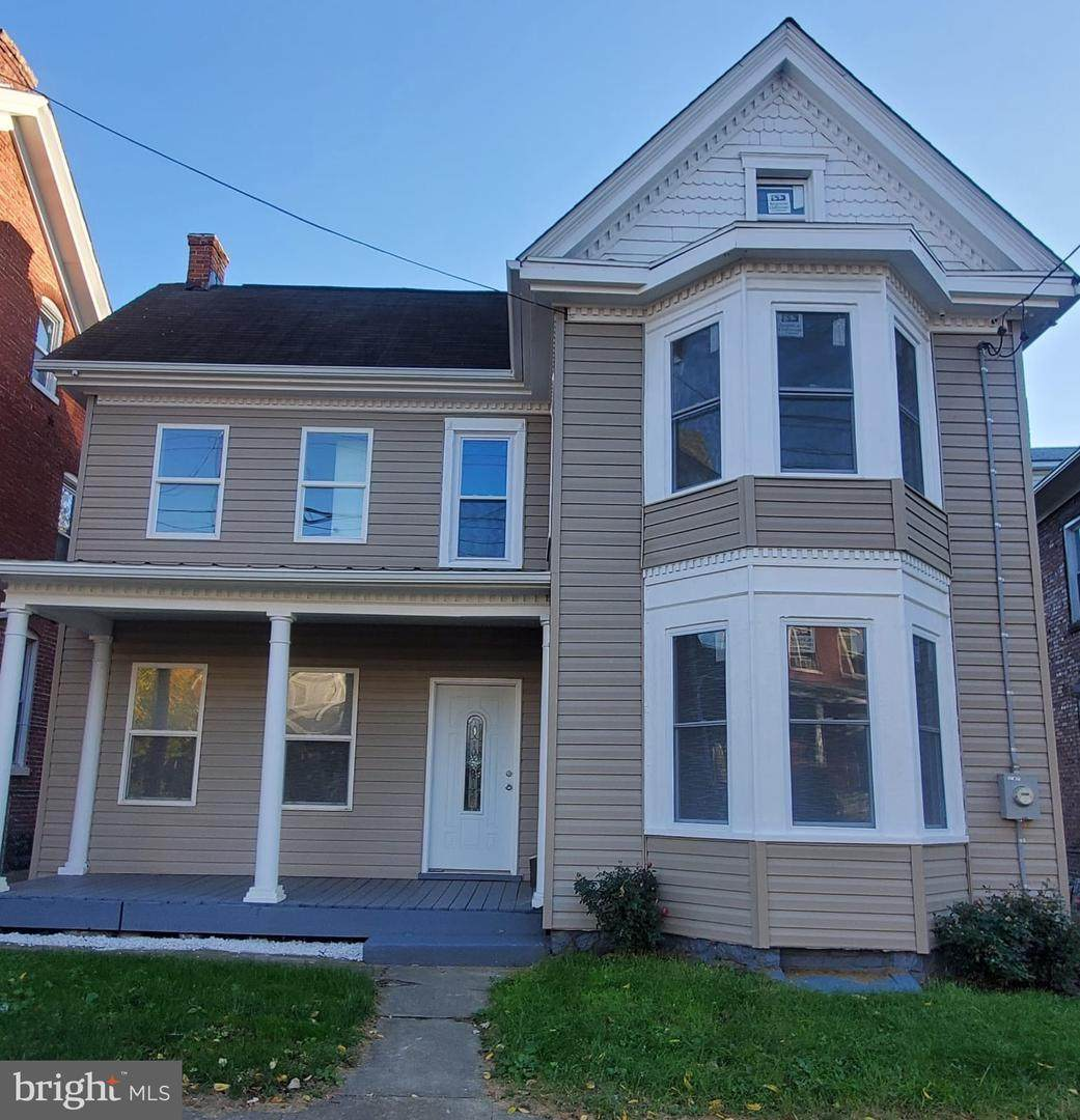 739 Washington Street - Photo 1