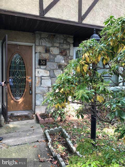 30 Knock N Knoll Circle, WILLOW GROVE, PA 19090 (#PAMC666530) :: Blackwell Real Estate