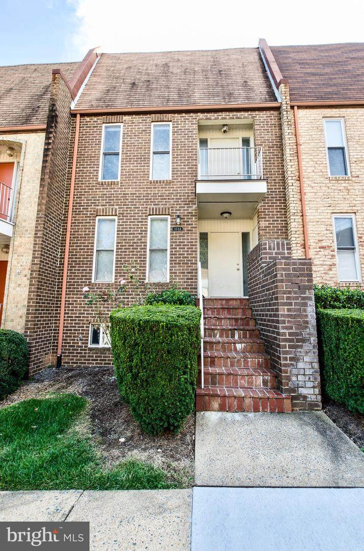 1733 Cy Court - Photo 1