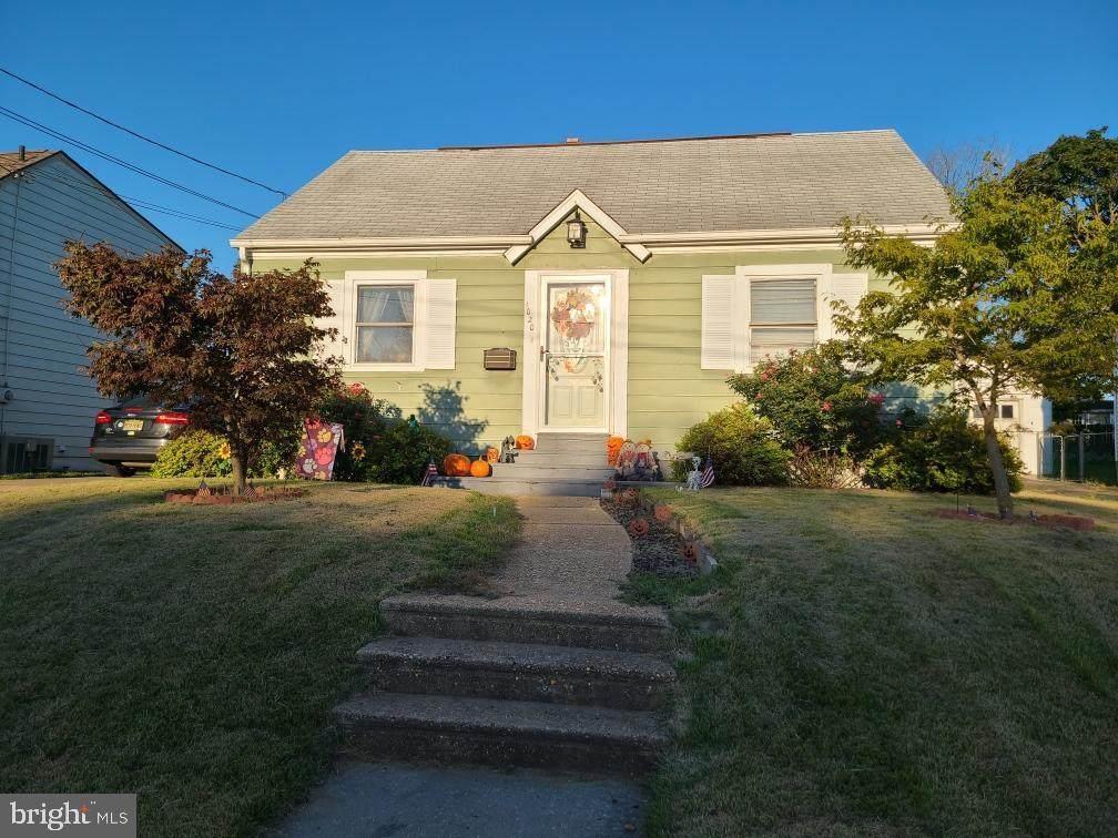 1020 Woodland Avenue - Photo 1