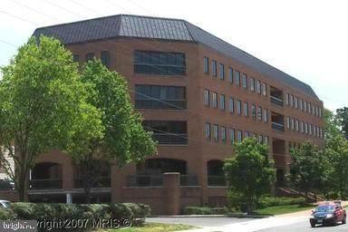 3975 University Drive - Photo 1