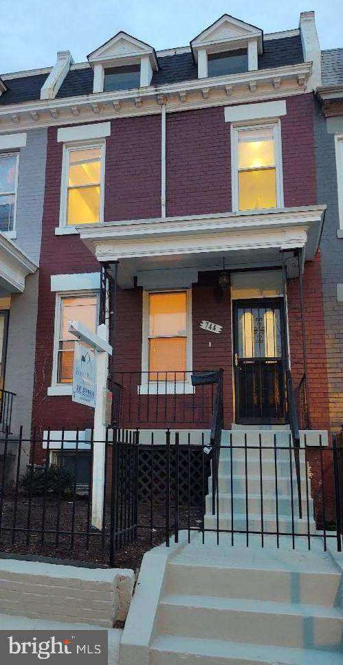 744 Columbia Road NW, WASHINGTON, DC 20001 (#DCDC491470) :: Tom & Cindy and Associates