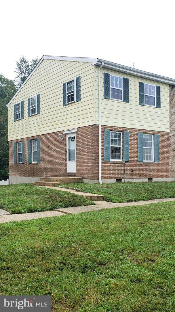 8221 Averill Court, SEVERN, MD 21144 (#MDAA450062) :: Bic DeCaro & Associates