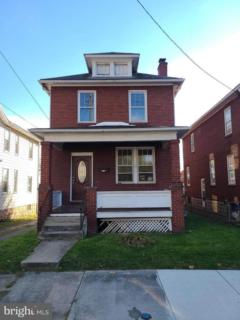 446 Walnut Street - Photo 1