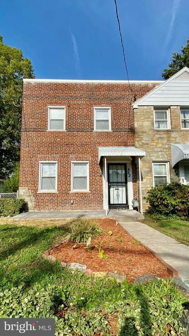 422 Oakwood Street - Photo 1