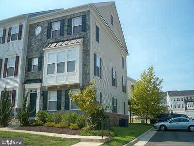 2501 Basin View Lane, WOODBRIDGE, VA 22191 (#VAPW507758) :: Shawn Little Team of Garceau Realty