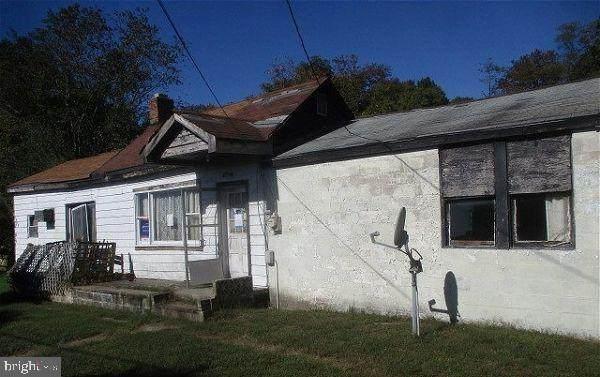 4470 Elwood Camp Road, HURLOCK, MD 21643 (#MDDO126272) :: LoCoMusings