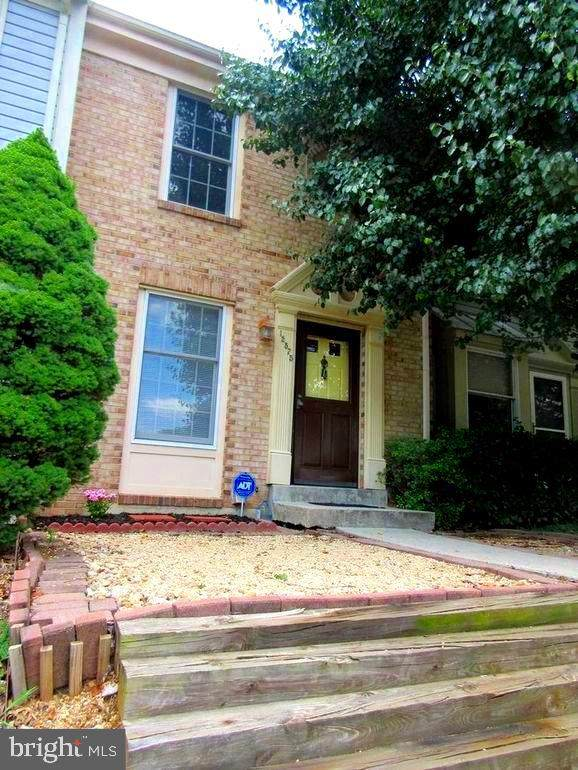 12575 Coral Grove Place, GERMANTOWN, MD 20874 (#MDMC731814) :: Hill Crest Realty