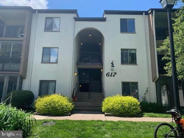 617 Center Street #104, HERNDON, VA 20170 (#VAFX1163786) :: RE/MAX Cornerstone Realty