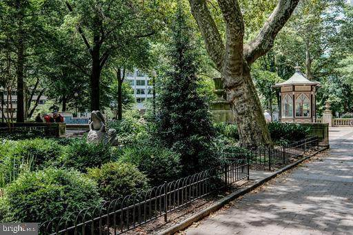 220 W Rittenhouse Square 3C, PHILADELPHIA, PA 19103 (#PAPH949536) :: Jason Freeby Group at Keller Williams Real Estate