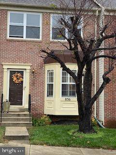 836 Faraway Court, BOWIE, MD 20721 (#MDPG586092) :: The Vashist Group