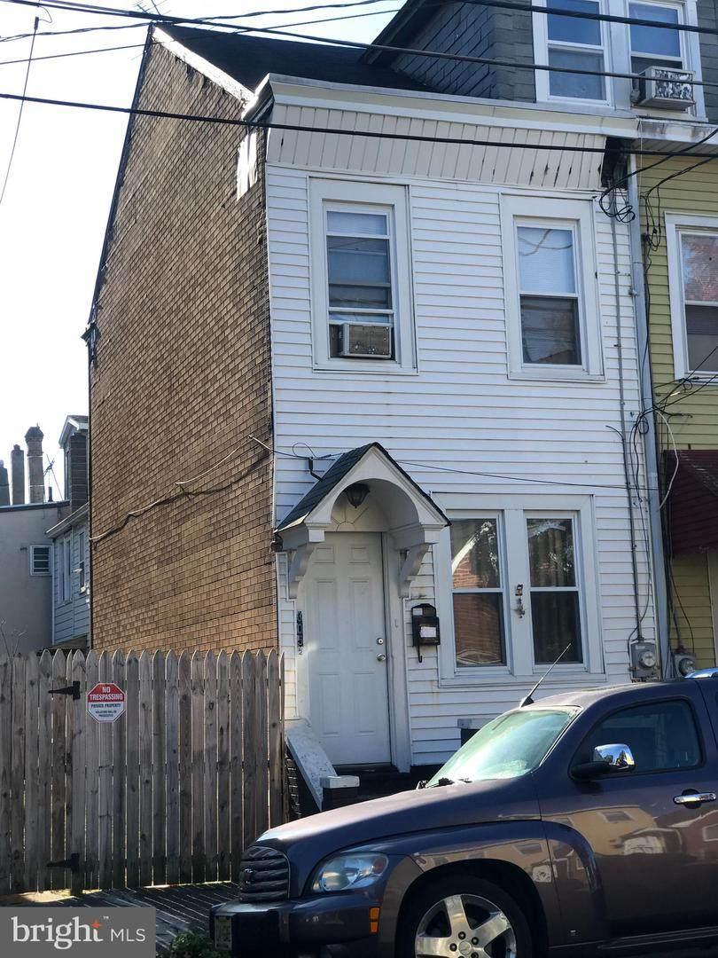 305-1/2 Ashmore Avenue - Photo 1