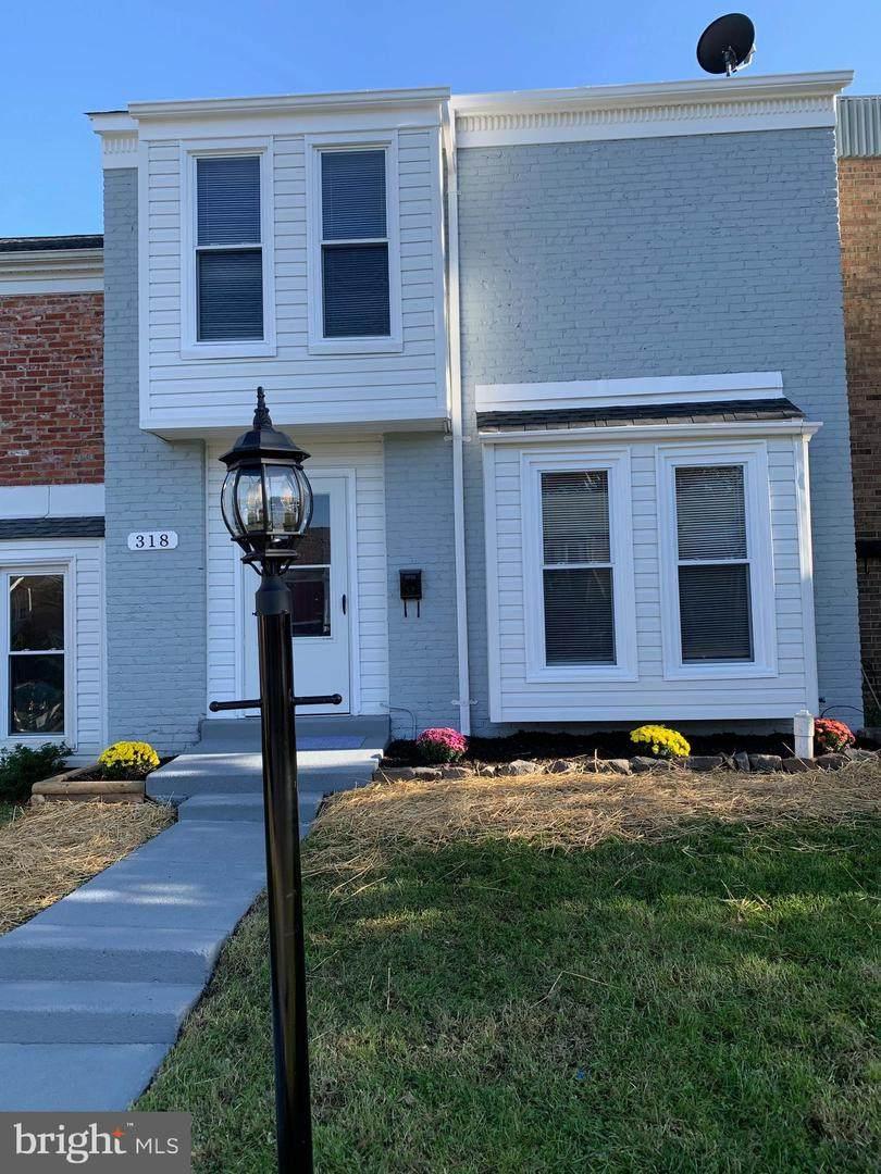 318 Roanoke Drive - Photo 1