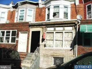2221 Bonaffon Street, PHILADELPHIA, PA 19142 (#PAPH954136) :: LoCoMusings