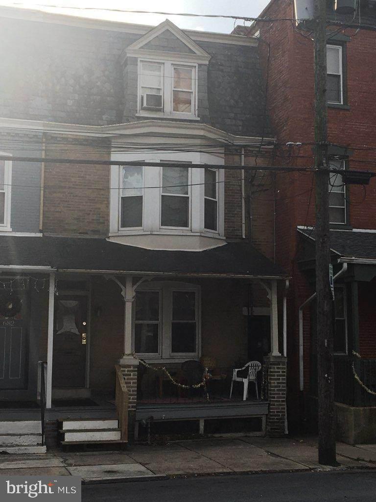 684 Columbia Avenue - Photo 1