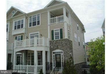16812 Nuttal Oak Place #30, WOODBRIDGE, VA 22191 (#VAPW510072) :: RE/MAX Cornerstone Realty