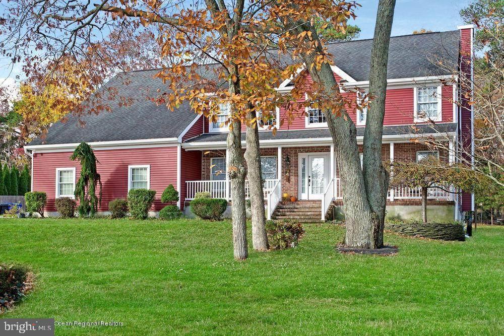 1590 Springfield Drive - Photo 1